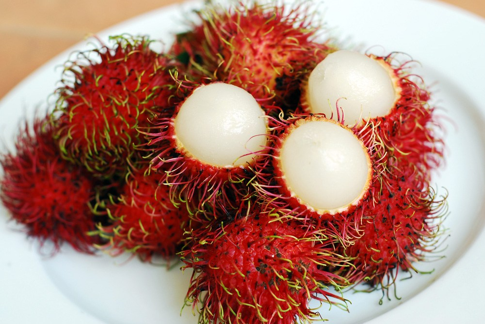 Rambutan vs Lychee: Which one is better? | Asian Fruit World
