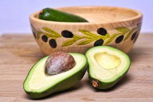 avocado-best fruits to ower cholesterol