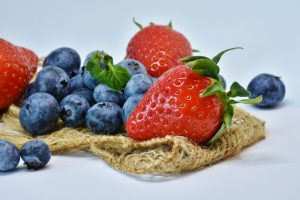 berries best fruits to lower cholesterol